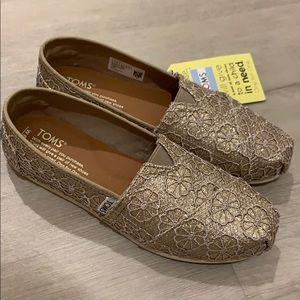 Brand NIB Rose Gold Crochet Glitter Toms Size 6